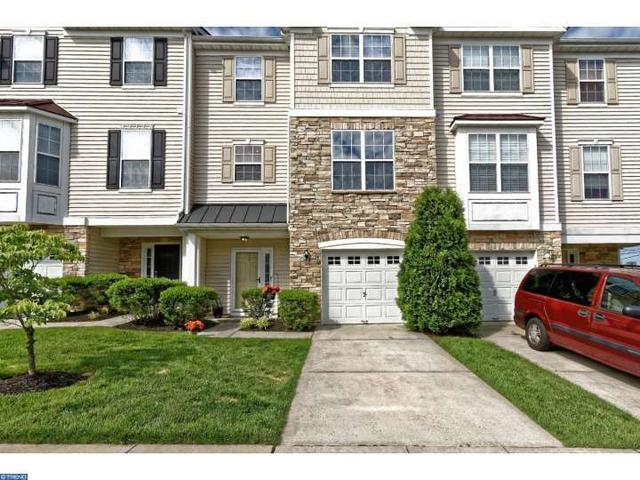 109 Acorn Dr Mount Royal, NJ 08061
