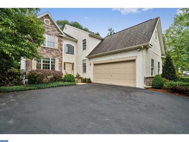 114 Riverwoods Dr New Hope, PA 18938