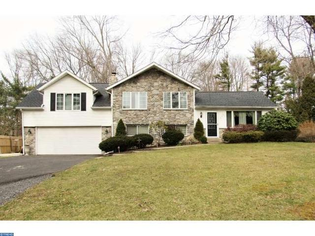 547 Meadow Rd Chalfont, PA 18914