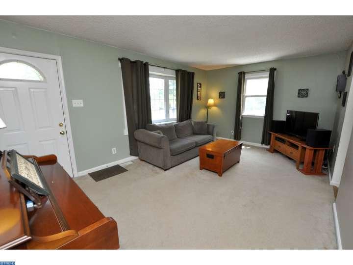 328 Bailey Avenue, Maple Shade, NJ 08052