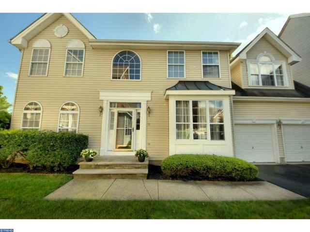 33 Pin Oak Dr, North Brunswick, NJ 08902