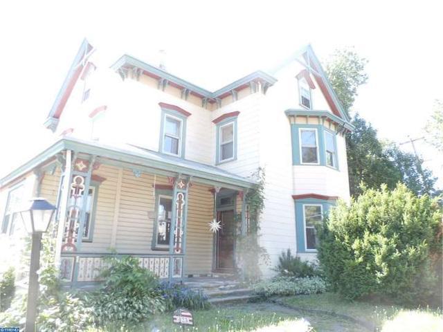 423 9th St Brookhaven, PA 19015