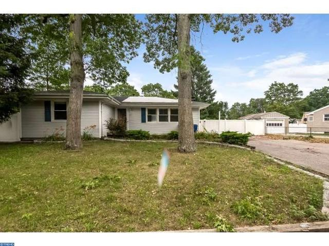 613 Mizzen Ave, Beachwood, NJ 08722