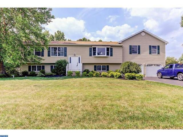17 Old Post Ln, Hamilton, NJ 08620
