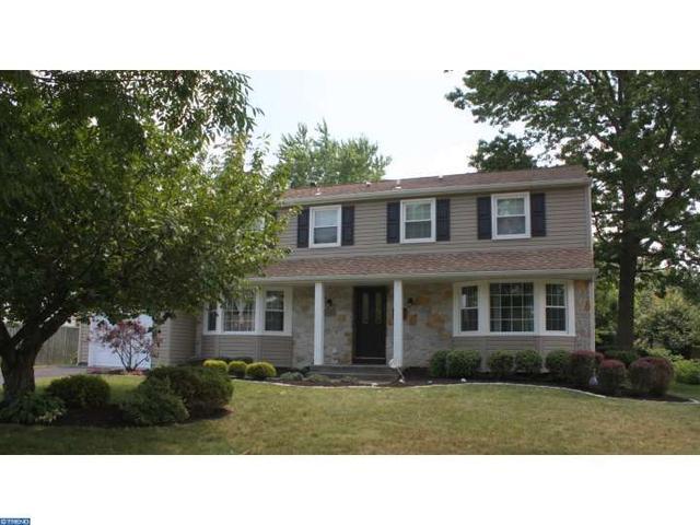 105 Knollwood Dr Cherry Hill, NJ 08002