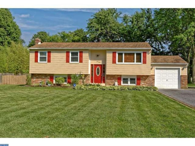 440 Cedar Ln, Mickleton, NJ 08056