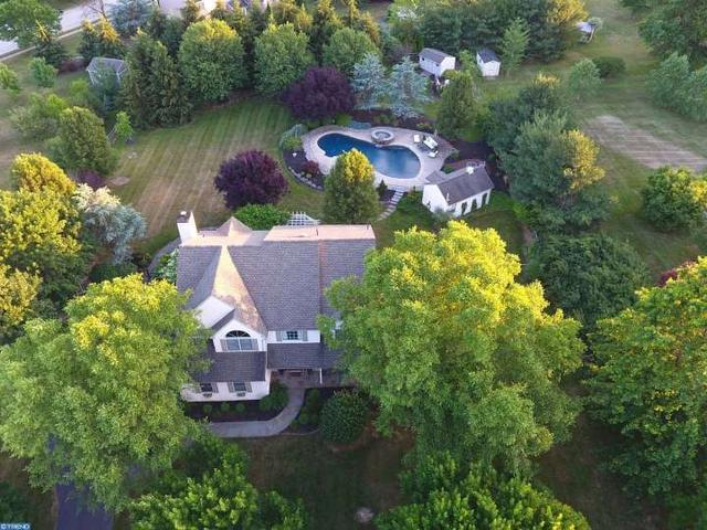 1512 Green Valley Dr Collegeville, PA 19426
