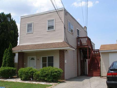 12 S Lippincott Ave, Maple Shade, NJ 08052