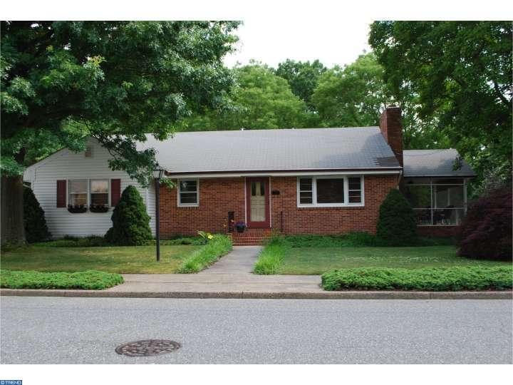 98 Green St, Mount Holly, NJ 08060