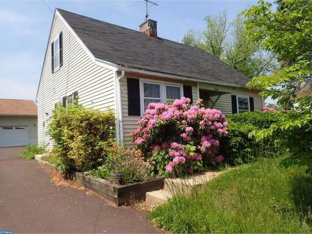 744 W Main St Collegeville, PA 19426