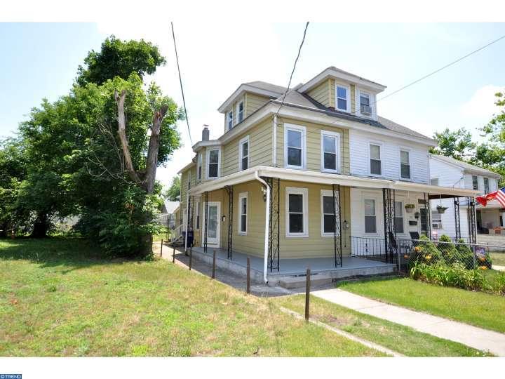 208 E Washington Street, Riverside, NJ 08075