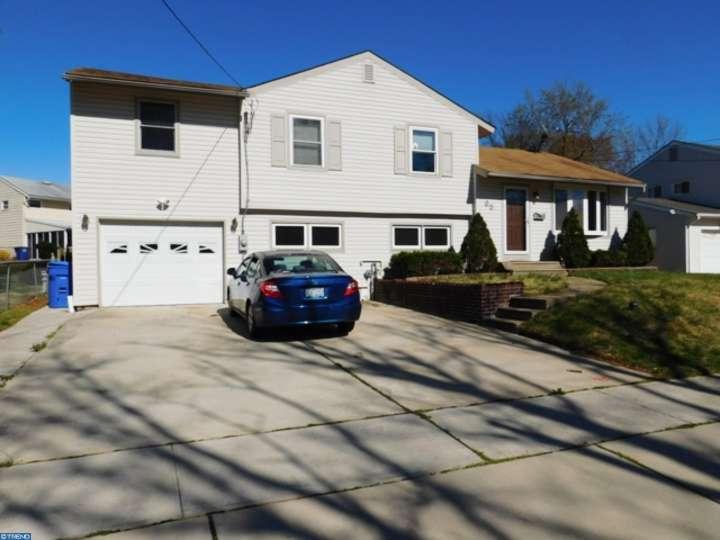 65 W Woodcrest Avenue, Maple Shade, NJ 08052