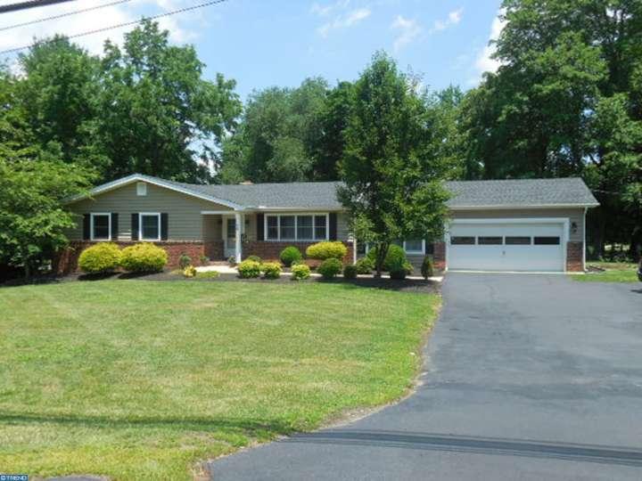 168 Robbinsville Allentown Rd, Robbinsville, NJ 08691