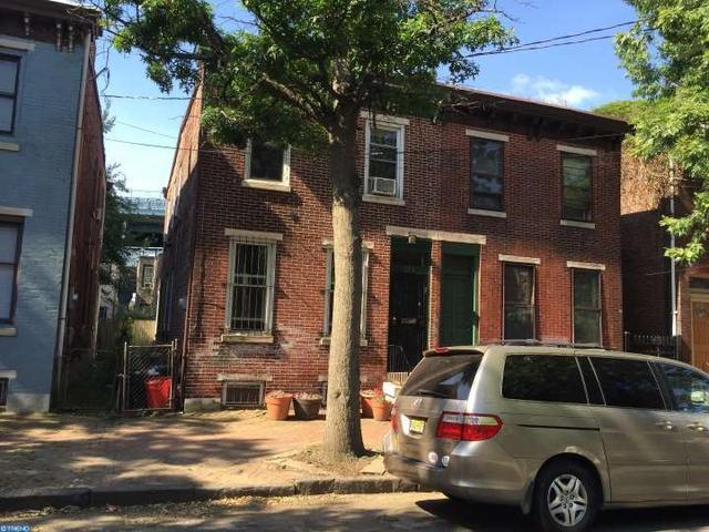 204 Elm St, Camden, NJ 08102
