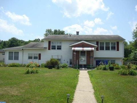 451 Temple Rd, Pemberton, NJ 08068