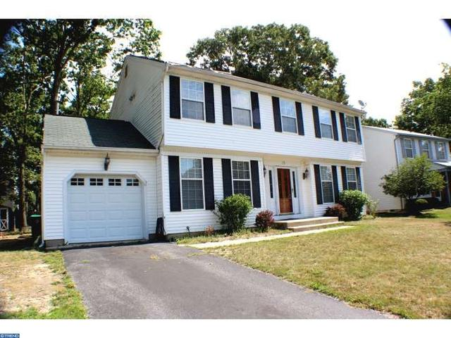 15 Gerry Ln, Sicklerville, NJ 08081