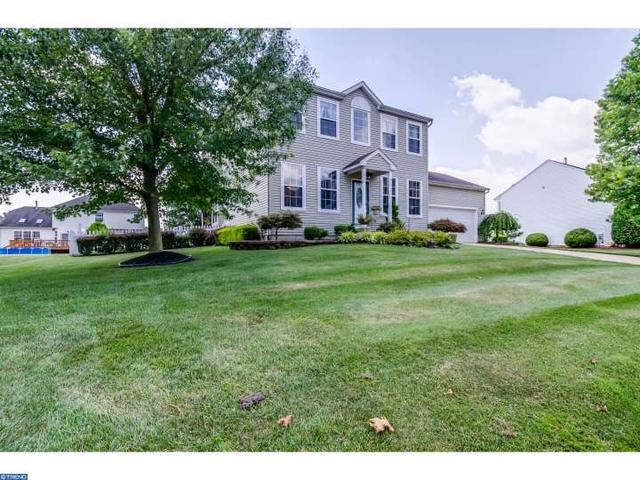 4 Bell Ln, Burlington, NJ 08016