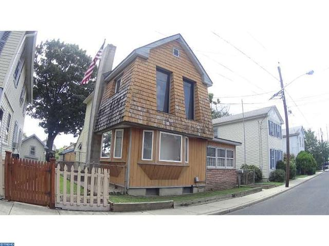 26 Center Ave, Westville, NJ 08093