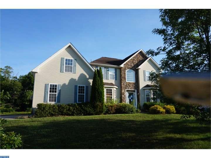 104 Golden Meadow Ln, Sicklerville, NJ 08081