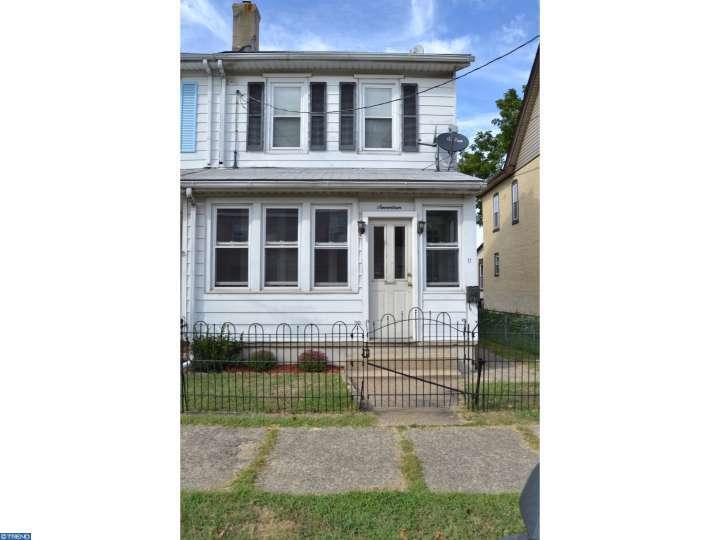 17 Rush St, Riverside, NJ 08075