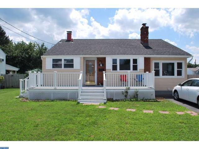 4 Hastings Rd, Hamilton, NJ 08620