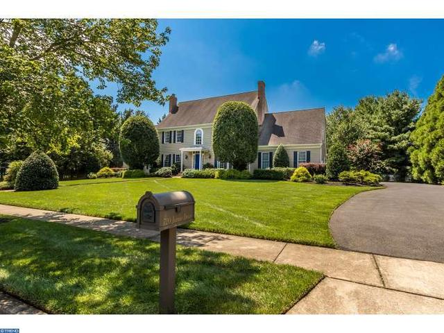 720 Jamie Dr, Moorestown, NJ 08057