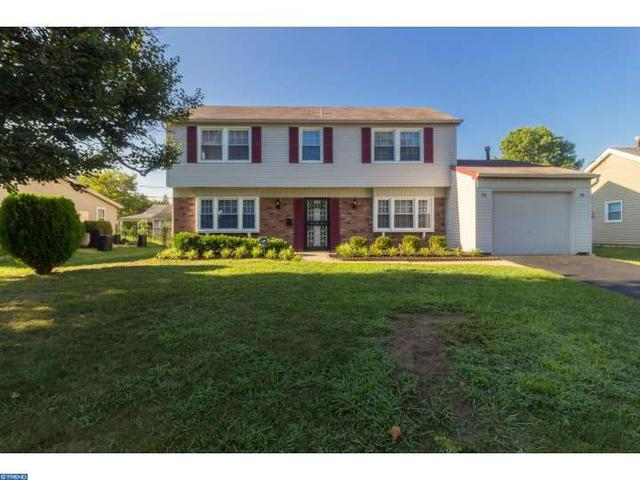 20 Earnshaw Ln, Willingboro, NJ 08046