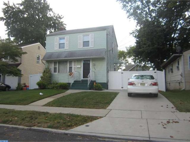 1755 42nd St, Pennsauken, NJ 08110