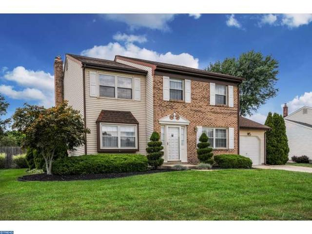 15 Boothby Dr, Mount Laurel, NJ 08054