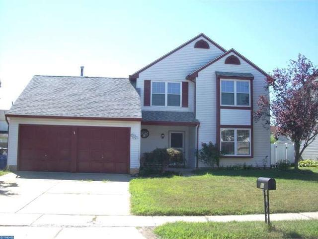 10 Chapel Cir, Sicklerville, NJ 08081