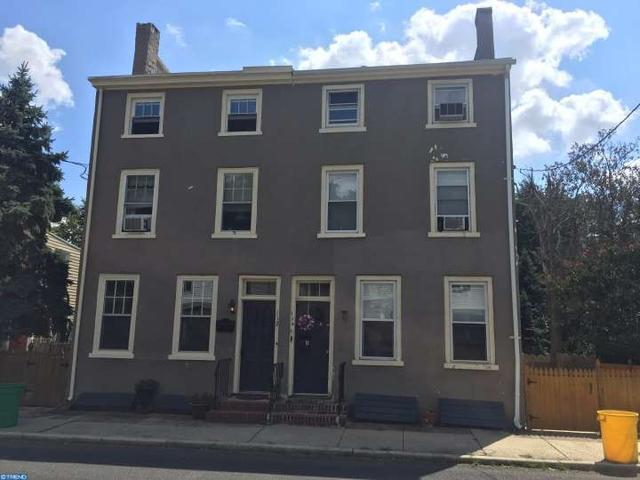 114 W Union St, Burlington, NJ 08016