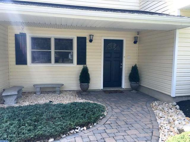 154 Oak Creek Rd, East Windsor Twp, NJ 08520