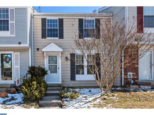 73 Dorchester Cir, Marlton, NJ 08053