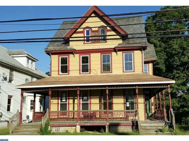 54 Chestnut St, Salem, NJ 08079
