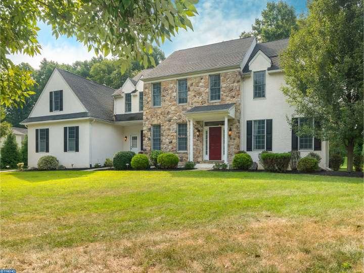 1001 Birchwood Ln, Glen Mills, PA 19342