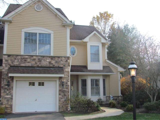 8 Conifer Ct, Princeton, NJ 08540