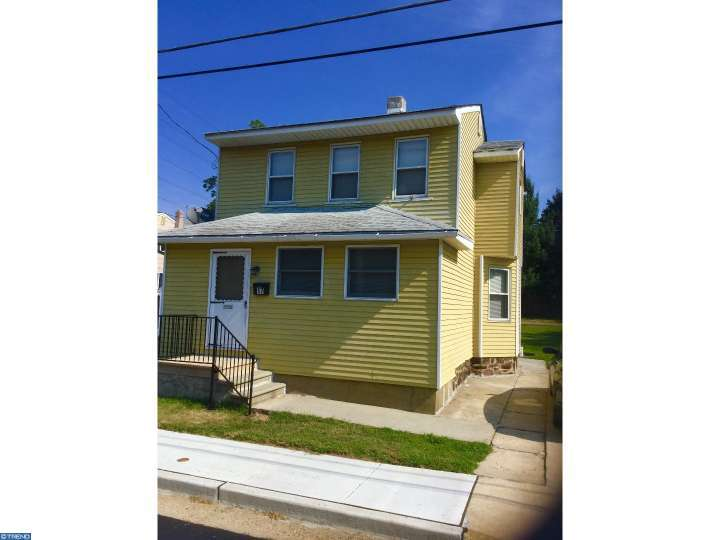 17 Woodbine Avenue, Westville, NJ 08093