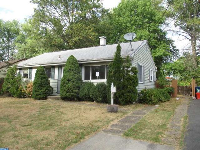 420 N Hilltop Ave, Somerdale, NJ 08083