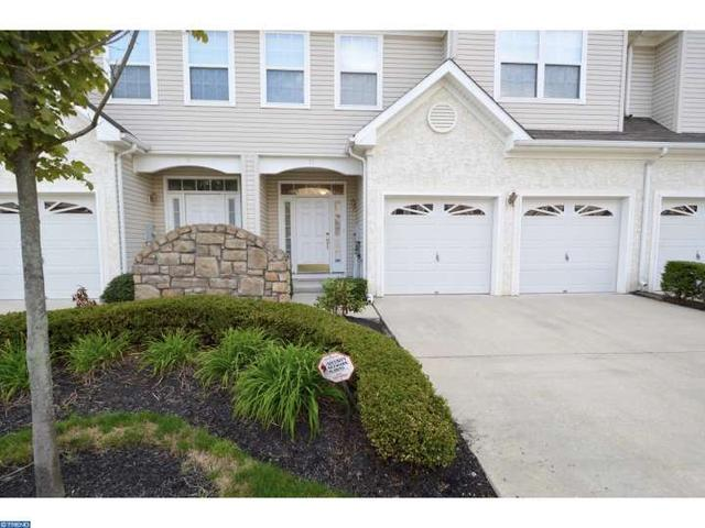11 Tudor Ct, Marlton, NJ 08053