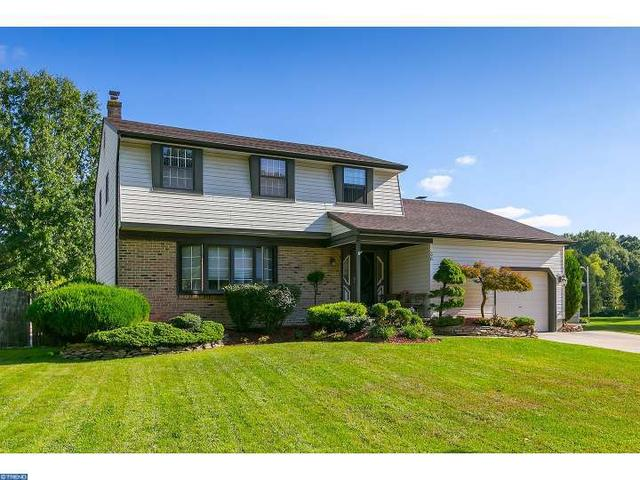 36 Old Forge Rd, Clementon, NJ 08021