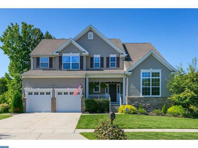 15 Hillside Dr, Swedesboro, NJ 08085