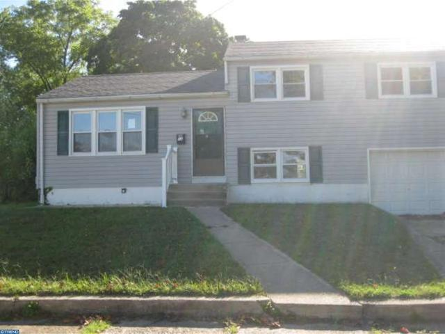 12 Trinity Ln, Blackwood, NJ 08012
