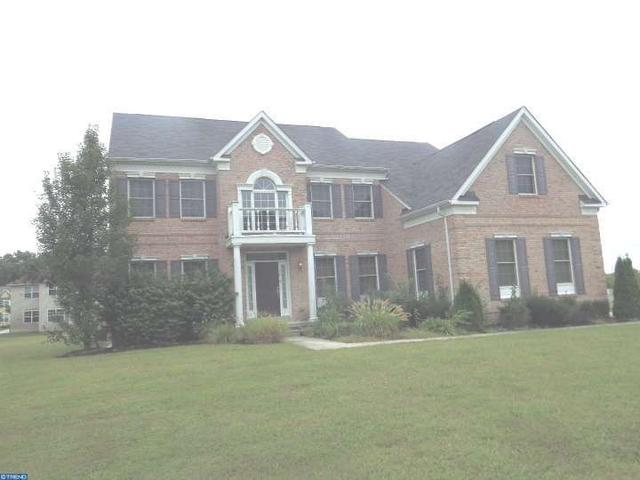 100 Blue Meadow Ln, Sicklerville, NJ 08081