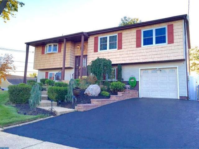 30 Kerry Dr, Hazlet, NJ 07730