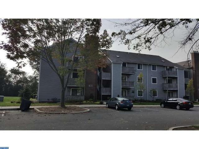409 Ravens Crest Dr E, Plainsboro, NJ 08536