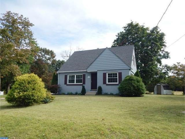 665 Westmont Ln, Vineland, NJ 08360