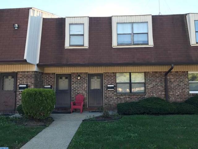 1503 Silver Ct, Trenton, NJ 08690