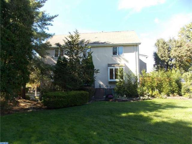 11 Lexington Ct, Princeton, NJ 08540