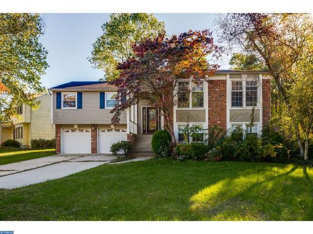 198 Canterbury Rd, Mount Laurel, NJ 08054