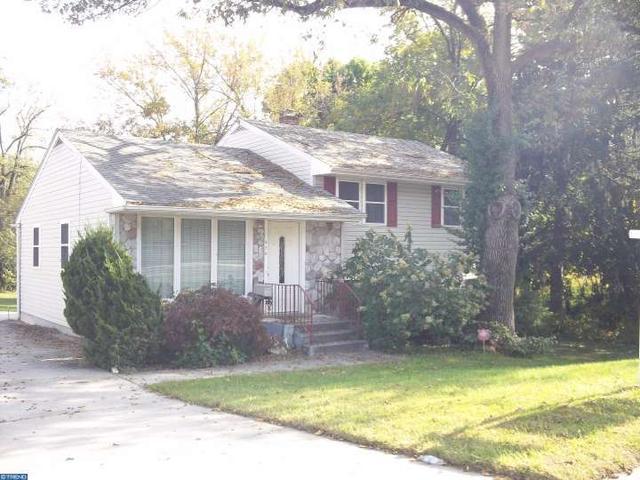 820 Bell Rd, Mount Ephraim, NJ 08059